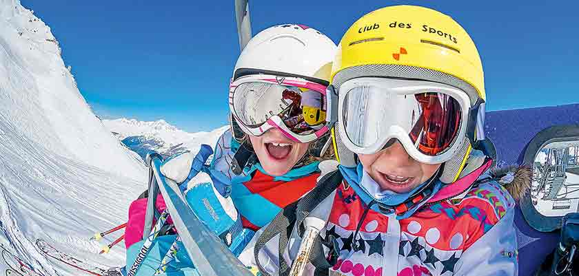 France_Espace-Killy-Ski-Area_Val-dIsère_Children-skiing.jpg